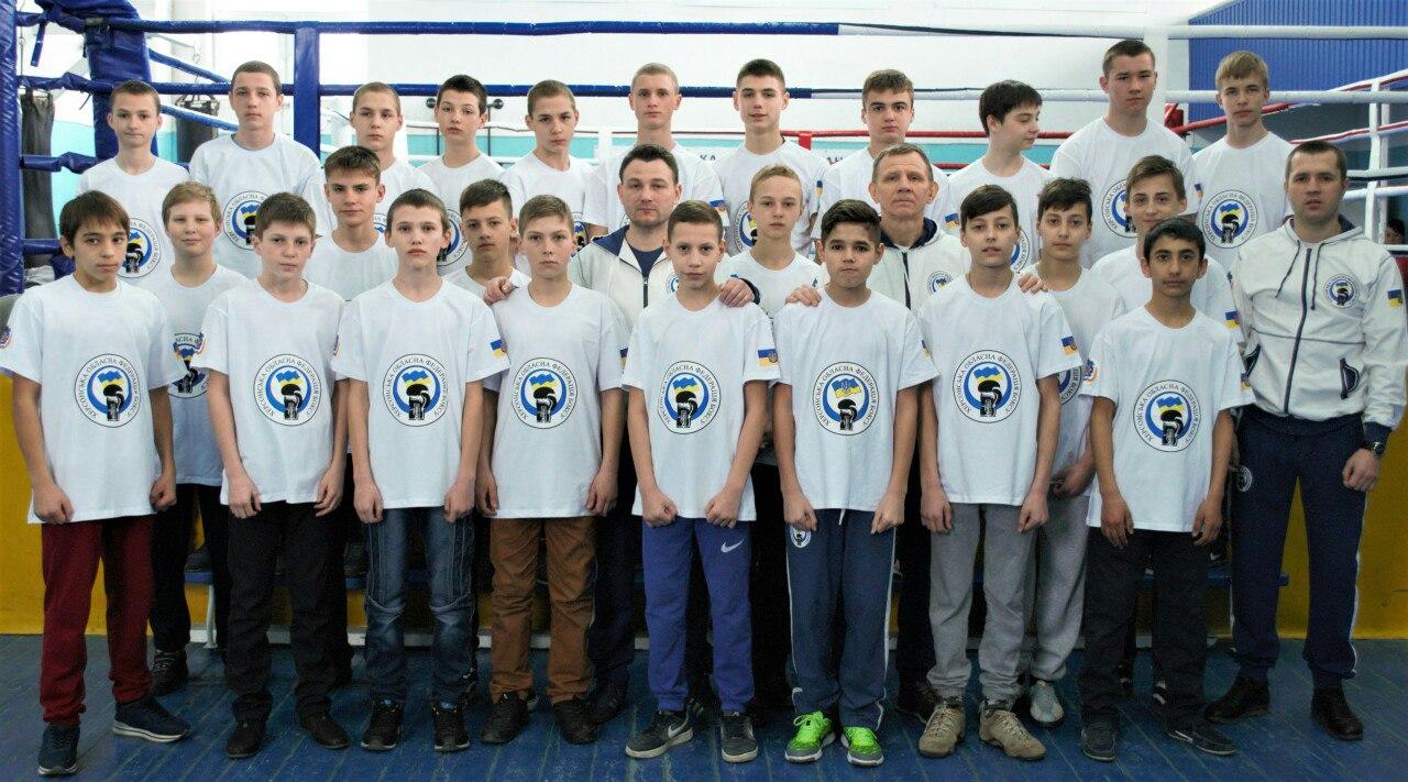 Голопристанські спортсмени взяли участь у регіональних змаганнях чемпіонату України з боксу