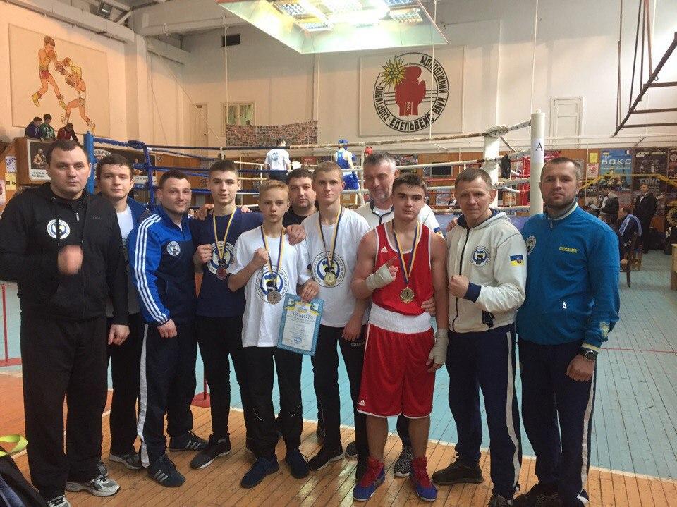 Двоє боксерів із Голої Пристані взяли участь у чемпіонаті України з боксу: обоє повернулися додому із медалями