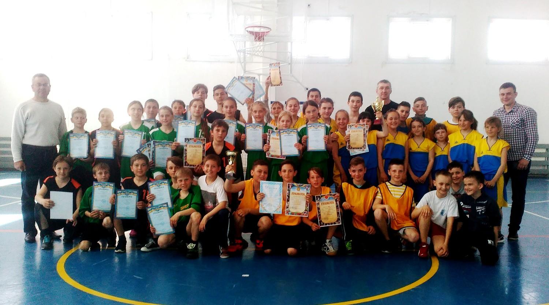 В Голій Пристані відбувся відкритий турнір з баскетболу
