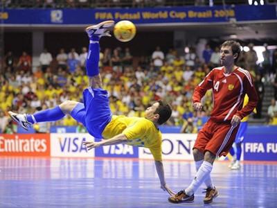 В Голій Пристані відбувся черговий тур чемпіонату міста із футзалу
