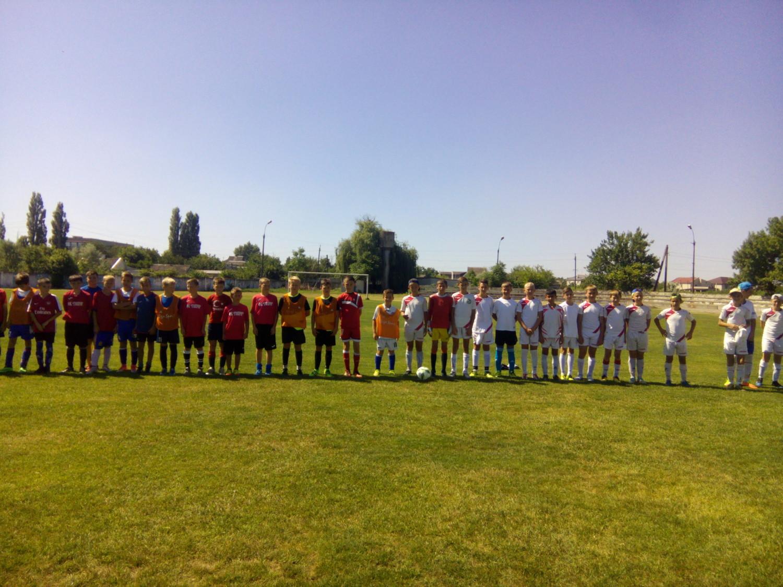 В Голій Пристані відбулась товариська зустріч з футболу між юнацькими командами ФК