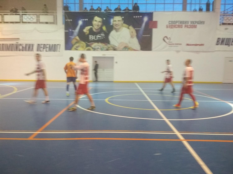 У Голій Пристані відбулись чергові ігри чемпіонату міста з футзалу серед команд аматорів