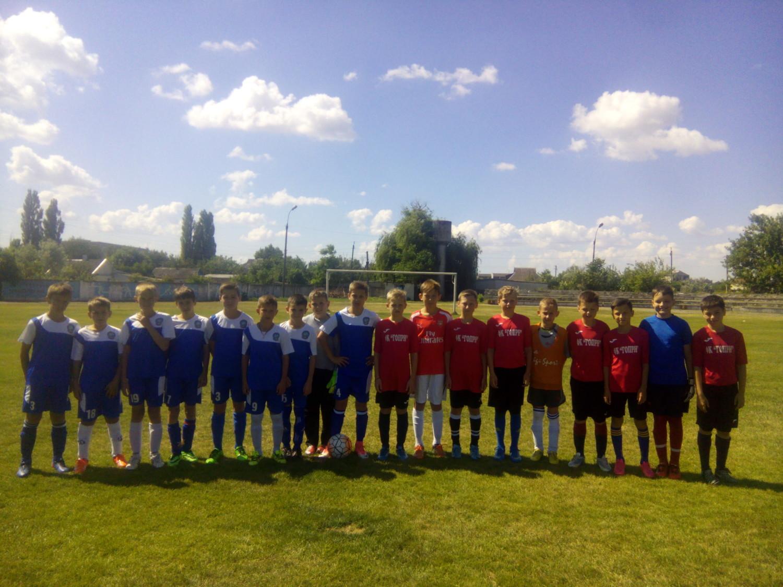 В Голій Пристані відбулася товариська зустріч із футболу серед юнаків ФК