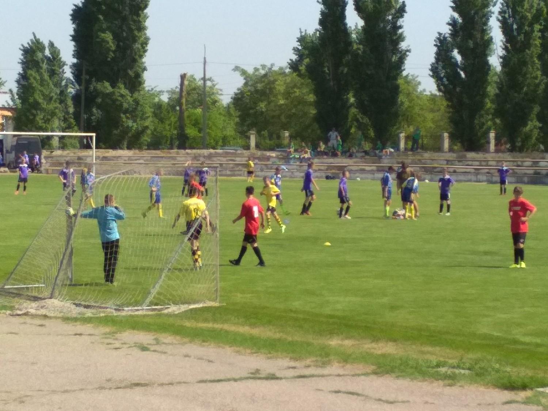 У Голій Пристані на міському стадіоні пройшли чергові ігри першості області з футболу серед команд юнаків 2006 р.н.